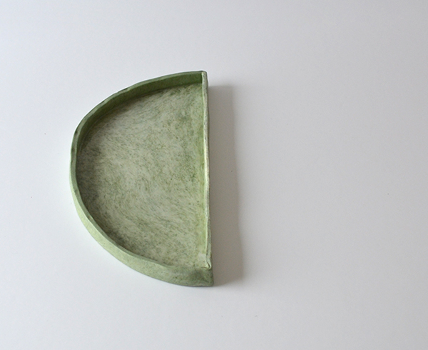Plat marbré vert - Fanny Richard - Art de la table - © Sandelin concept store