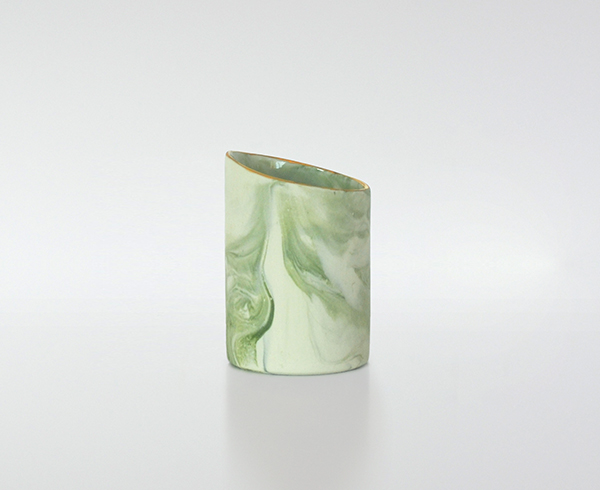 Tasse marbrée verte - Fanny Richard - Art de la table - © Sandelin concept store
